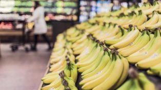 スーパーマーケットの店頭